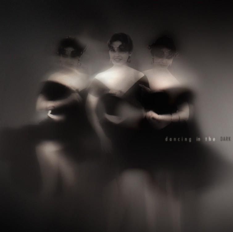 manon.ro-dancing_in_the_dark05